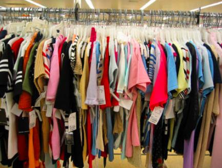 Perché l'abbigliamento low-cost risulta dannoso per l'ambiente